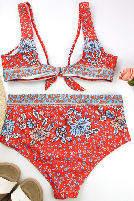 The new women's floral split bikini